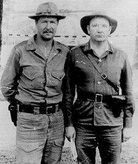 Первый комендант Кабула майор Юрий Ноздряков (справа). Афганистан, Кабул, 1980г.